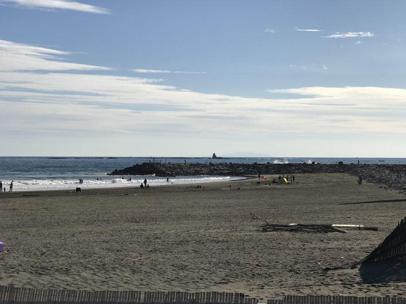 烏帽子岩、遠くには大島まで見えます