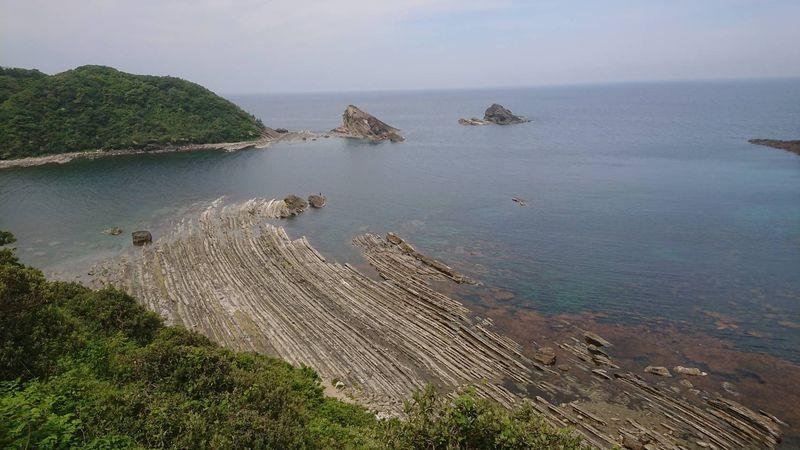 チェリーロードに入り、下って洗たく岩の見える海岸線に出るが、島根原発を遠くに見ながら再び昇る。